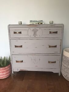 Vintage Waterfall Commode (3 Drawer)