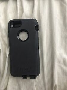 Black IPhone 7 Otter Box phone Case & apple ear pods