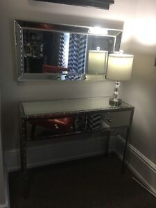Mirrored Vanity/hallway table and mirror