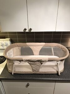 EUC Summer Infant Sleep By Your Side Bassinet