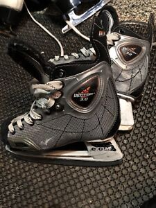 Patin glace hockey enfant grandeur 2