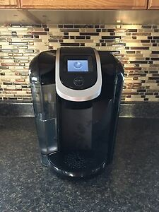 Keurig 2.0 with Tray and Coffee