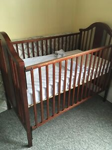 Crib and mattress bought in 2009 on kijiji