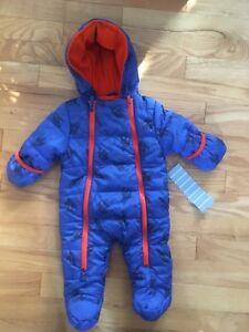 Habits d'hiver bébé 3 6 mois NEUF , manteau garçon