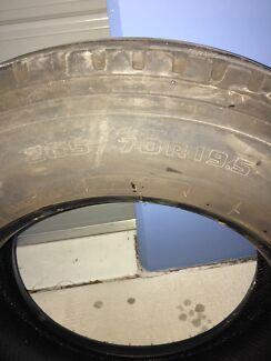 Truck Tyre 265/70/19.5