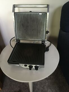 Electric grill - HOT!  breville