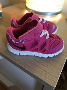 Nike shoes - size 6 (toddler girl )