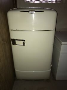 Crosley Shelvador Fridge (1940's) MINT CONDITION
