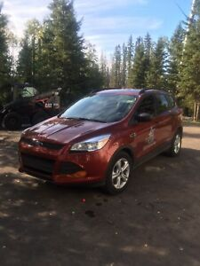 2014 Ford Escape, LOW MILEAGE!!
