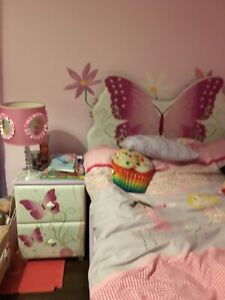 Girl's bedroom for sale in like new condition