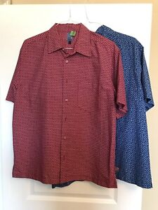 2 Men's Short Sleeve Button Shirts - Bluenotes  Large