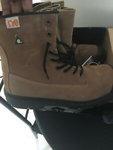Men's size 14 work boots