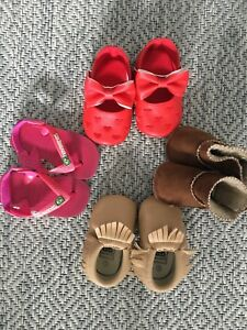Lot of 4 pairs of baby girl shoes / sandals / boots!