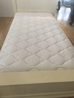 King single mattress near new