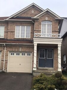 4 BED & 2.5 BATH SEMI FOR RENT IN NEWMARKET $1950 + UTILITIES
