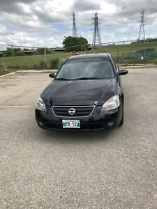 2002 Nissan Altima , fully loaded , safety , clean title