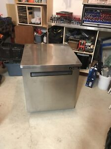 Bar fridge $200