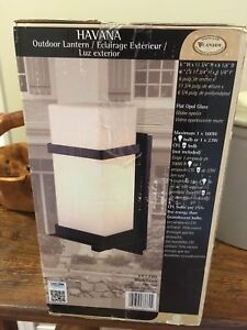 Set of 3 exterior lights - new in box