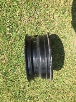 4 x never used rim/wheel disc