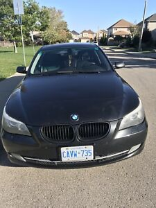 2008 Bmw 528 xi 4 x 4. fully loaded Black on black
