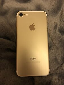 Champagne Gold IPhone 7