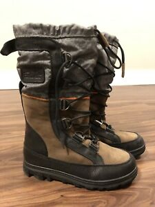 Mint Condition Women's Leather Winter Boots