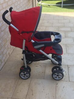 CHICO TRAVEL SYSTEM STROLLER AND CAPSULE