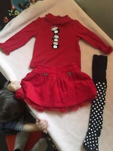 Size 18-24months. Size 2 (fit at same time) Gymboree
