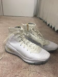 Curry 4's basketball sneakers