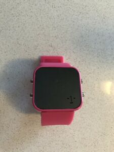 1:face pink digital watch