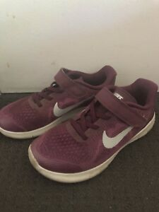 Girls Nike Shoes size 2Y