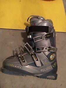 Lady Ski Boots & Unisex Skis