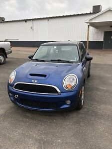2007 Mini Cooper S (needs engine repair)