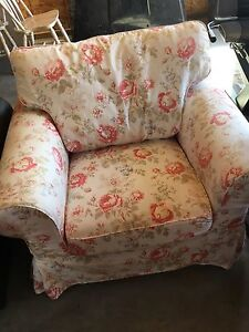Very comfy chair with washable cover