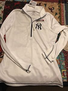 Yankees ladies pullover