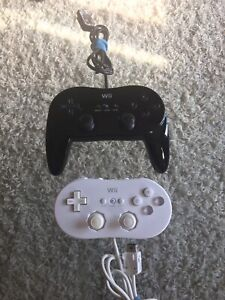 Wii Classic Controllers X2