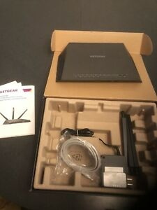 Netgear nighthawk AC-1900 smart wireless wifi router — mint