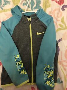 Nike size 4/5