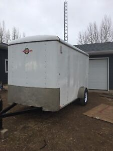 Enclosed Cargo / Flat deck and Dump trailers for rent