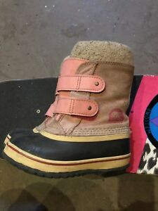 Girls sorel winter boots size 11
