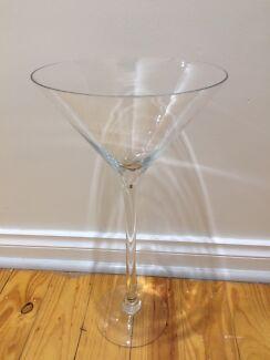 2 x LARGE MARTINI GLASSES/VASES - BRAND NEW