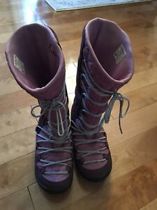 Columbia winter boots. Size 5 Girls