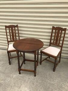 Antique oak table and chairs Traralgon Latrobe Valley Preview