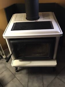 Wood stove - Pacific Energy Classic Model