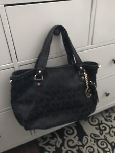 Michael Kors handbag in perfect condition ( authentic )
