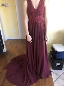 PROM DRESS FOR SALE, NEVER BEEN WORN BESIDES FOR THE PHOTO!!