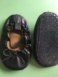 Sz 3 baby shoes