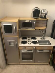 Kids kitchen play set - excellent condition