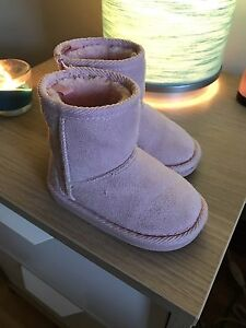 Boots- size 6 (toddler girl )