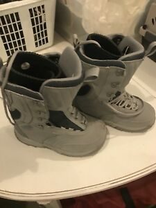 Airwalk women's snowboarding boots